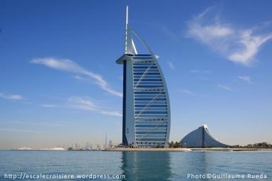 Burj Al Arab depuis le tour en bateau