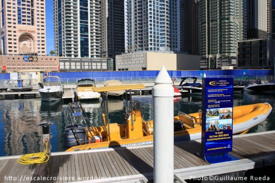 Embarquement pour le tour en bateau autour de Palm Jumeirah
