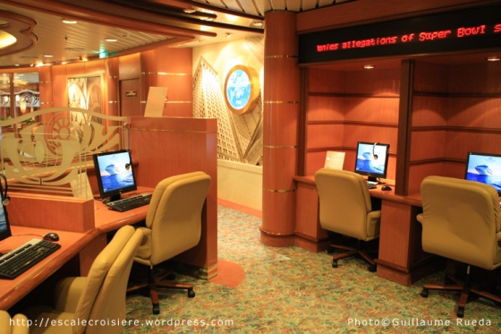 Island Princess - Internet café