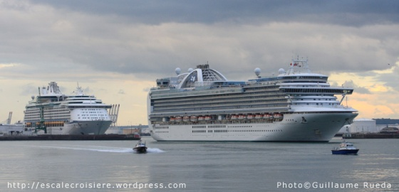 Adventure of the Seas et Emerald Princess