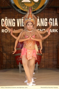 Baie d'Halong danses traditionnelles