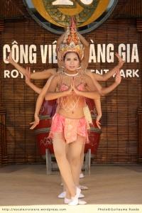 Baie d'Halong danses traditionnelles