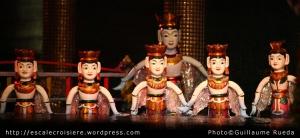 Baie d'Halong marionnettes sur l'eau