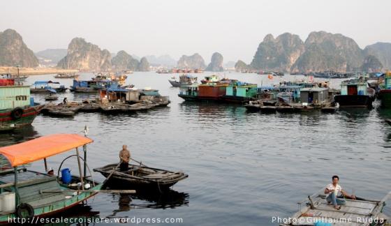Baie d'Halong - Village pêcheurs