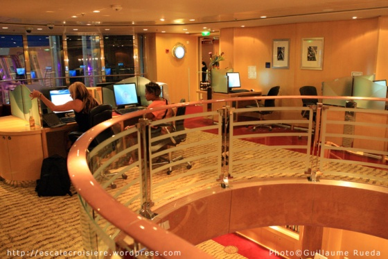 Liberty of the Seas - Internet café