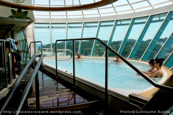 Liberty of the Seas - Jacuzzi