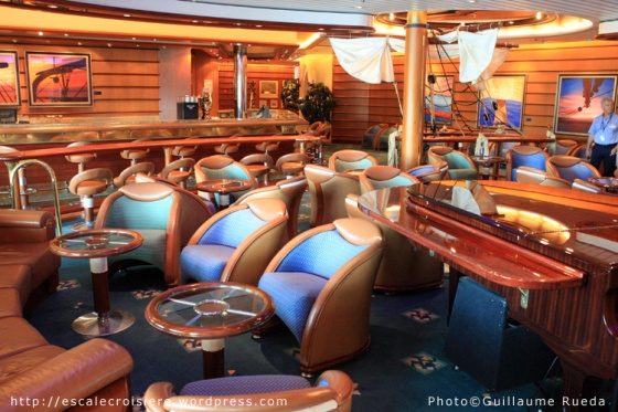 Liberty of the Seas - Schooner bar
