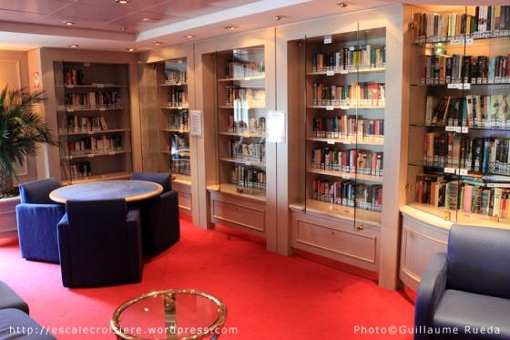 MSC Opera - Bibliothèque