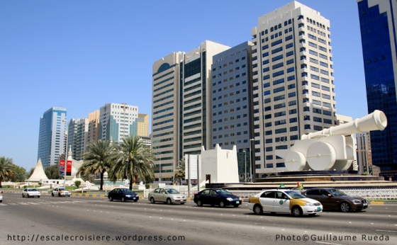 Abu Dhabi - Place Ittihad
