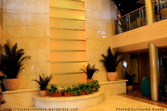 MSC Armonia - Atrium