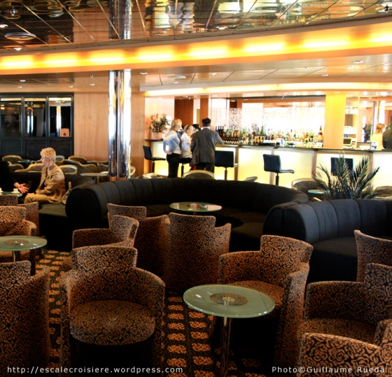MSC Armonia - Armonia Lounge