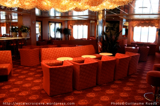 MSC Armonia - Moulin Rouge Piano Bar