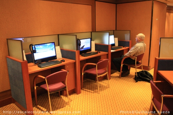 Queen Mary 2 - Espace Internet