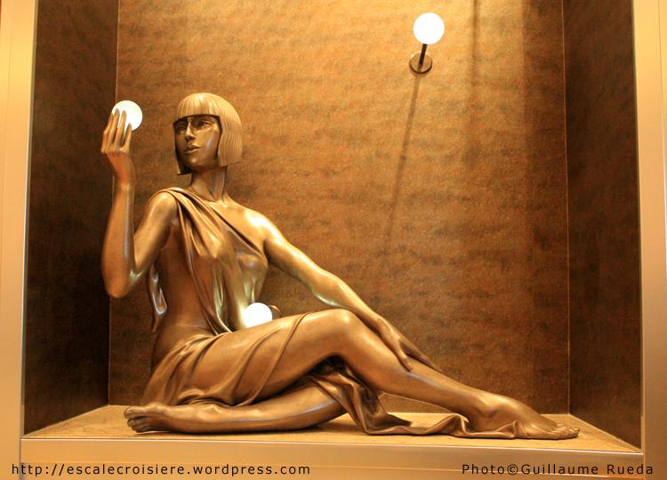 Queen Mary 2 - oeuvre d'art