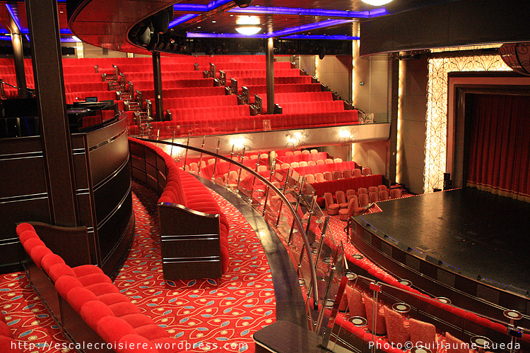 Queen Mary 2 - Royal Court Theater