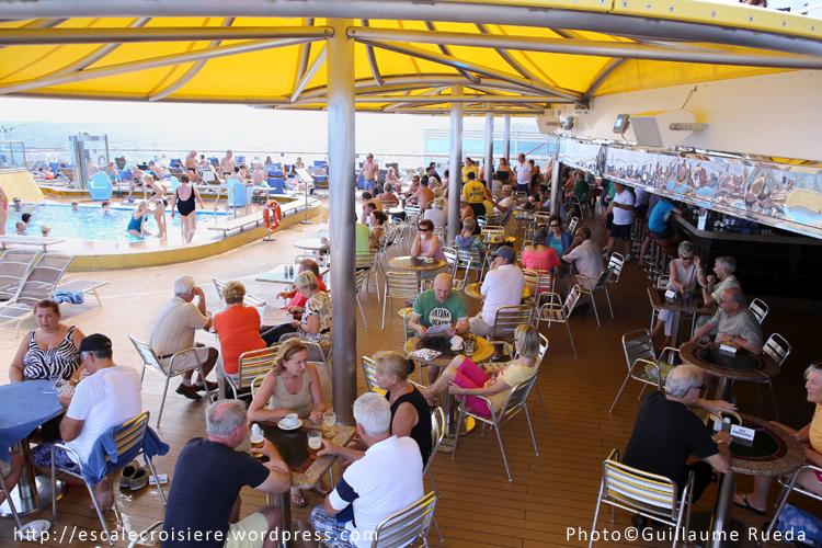 Costa Luminosa - Bar piscine Lido Delphinus