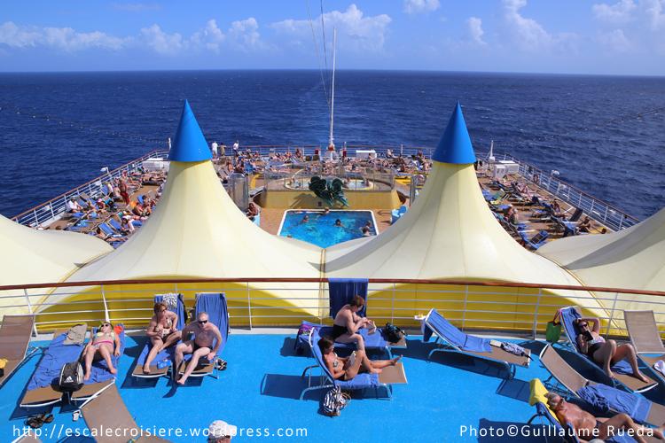 Costa luminosa piscine lido delphinus blog escale - Costa luminosa piscine ...