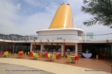 Cosa neoRiviera - Riomaggiore pool bar