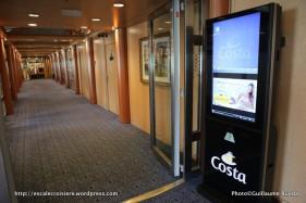 Costa neoRiviera - borne d'information