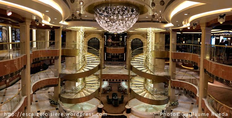 Regal Princess - Atrium