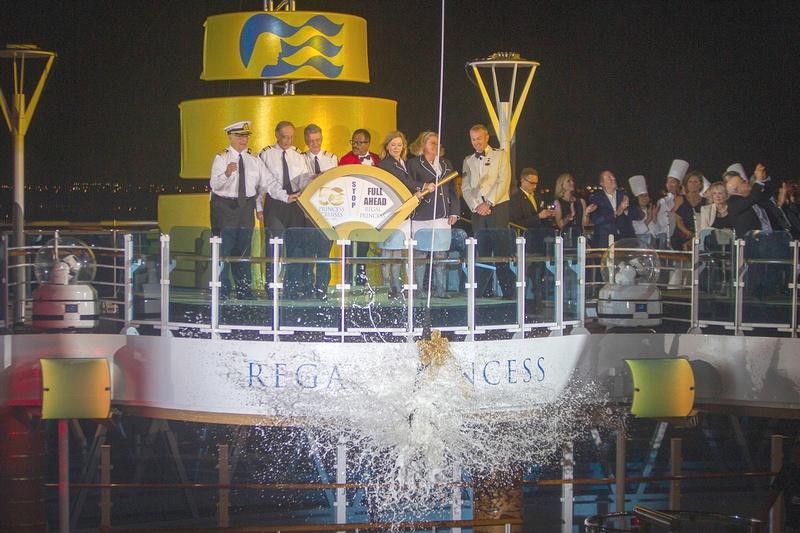 Regal Princess - baptême par les acteurs de la série de La croisière s'amuse - Love boat