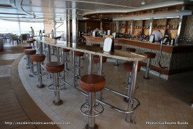 Regal Princess - Mermaid's tail bar - piscine centrale
