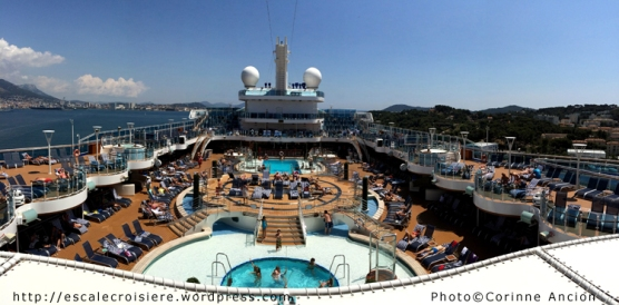Regal Princess - Piscine centrale
