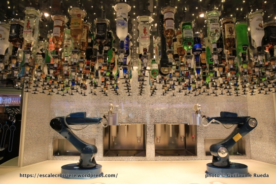 Anthem of the Seas Bionic bar