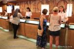 Allure of the Seas - Royal Promenade - Bureau information - Guest service