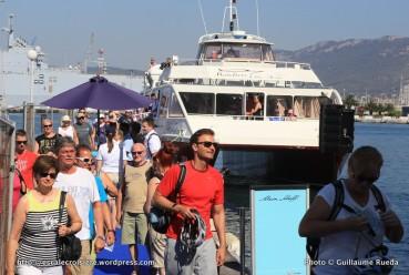Escale Mein Schiff 2 au mouillage à Toulon - débarquement au Palais du Commerce et de la mer