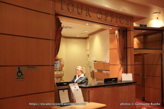Queen Mary 2 - Bureau des excursionsQueen Mary 2 - Bureau des excursions