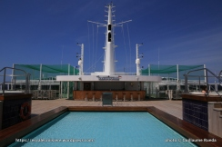 Queen Mary 2 - Piscine splash pool pont 13