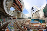 Allure of the Seas - Boardwalk - Aquatheater