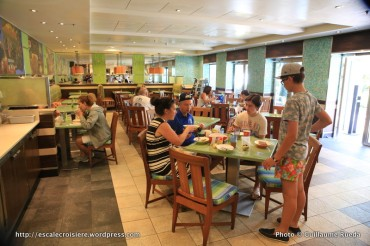 Allure of the Seas - Central Park - Park Cafe