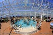 Allure of the Seas - Pool and Sports zone - Solarium