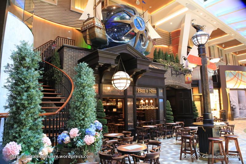 Allure of the Seas - Royal Promenade - Bow and Stern pub
