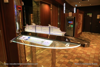 Allure of the Seas - Royal Promenade - plan du navire