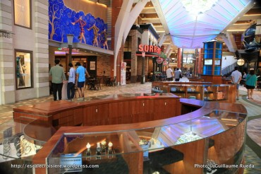 Allure of the Seas - Royal Promenade - Sorrento's