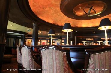 Crystal Serenity - Avenue Saloon