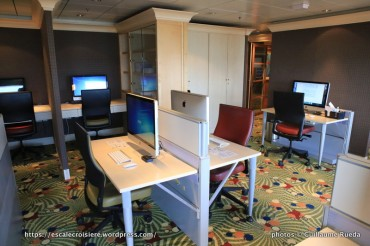 Crystal Serenity - Internet - Computer University@Sea