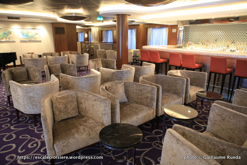 Norwegian Epic -Shaker's Martini Bar