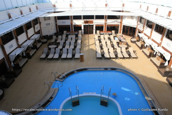 Norwegian Epic - The haven - Courtyard pool and Spa