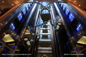 Celebrity Silhouette - ascenseurs atrium