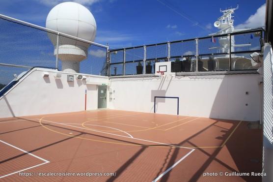 Celebrity Silhouette - Terrain de basket