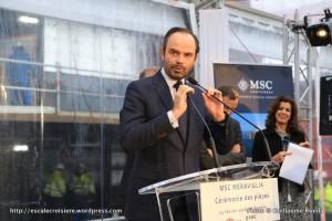 2016-02-01 MSC Meraviglia - Saint Nazaire - pièce et signature de contrat - Edouard Philippe, Maire du Havre, Député de la Seine‐Maritime