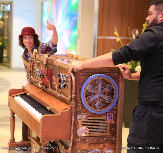 Anthem of the Seas - Stowaway piano