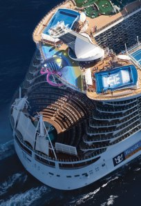 Harmony of the Seas - AquaTheater - 2