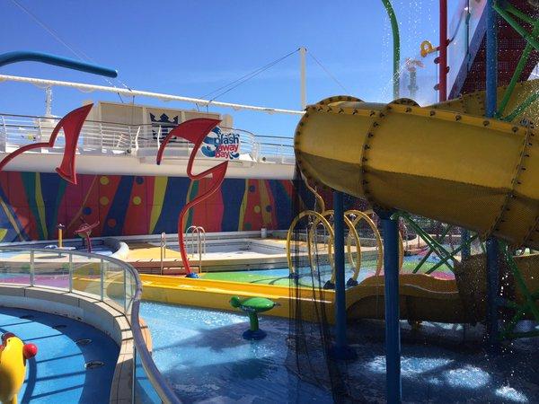 Liberty of the Seas - Splash away bay - Nick Weir