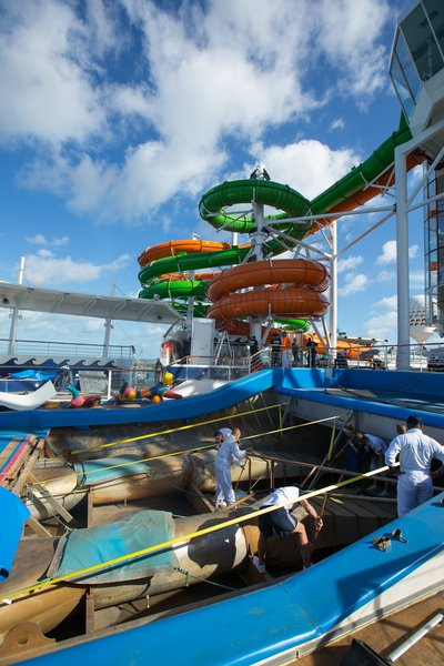 Liberty of the Seas - toboggans Perfect Storm - Royal Caribbean