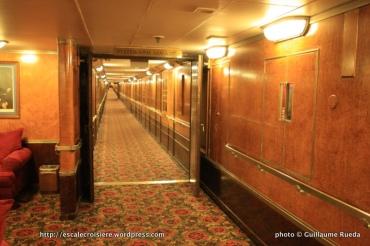 Queen Mary - Couloir d'accès aux cabines
